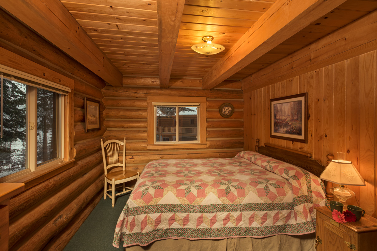Settler log cabin western pleasure guest ranch for Two room log cabin