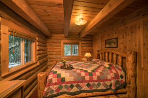 Pacific Northwest cabin rental private bedroom