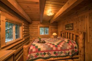 Pacific Northwest cabin rental private bedroom