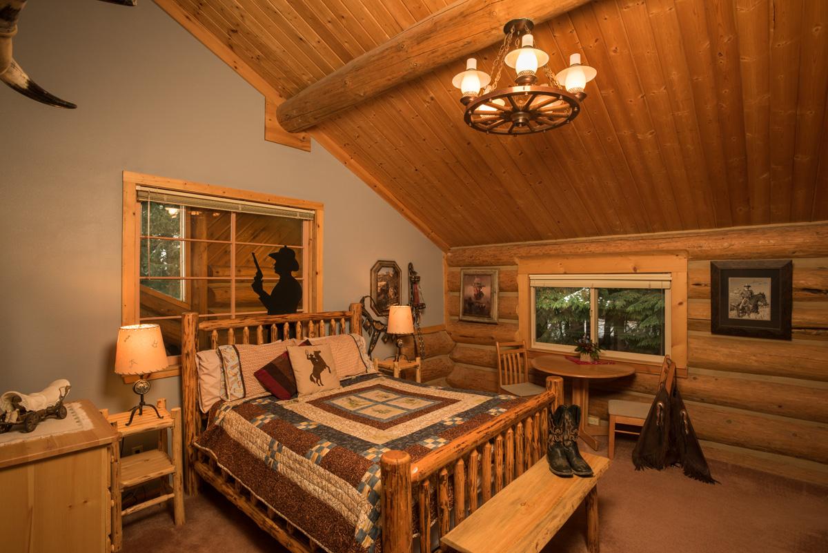 Western Pleasure Guest Ranch Duke Room