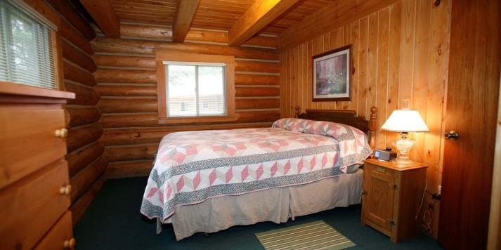 Settler master bedroom